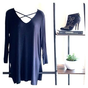 OLD NAVY Black Long Sleeve Criss-Cross Neck Tunic